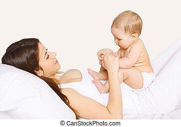 csecsemő, otthon, játék, ágy, anya