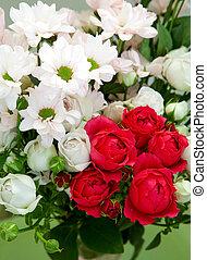csokor, krizantémok, fehér, agancsrózsák, gratuláló, piros