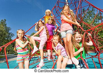 csoport, ül, fonatok, mosolygós, gyerekek, piros