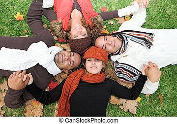 csoport, emberek, fiatal, ősz, különböző, boldog