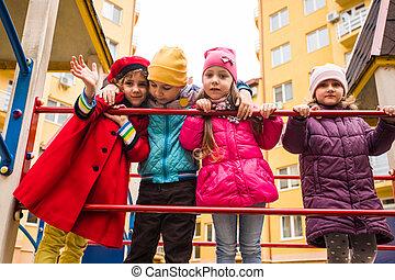 csoport, gyerekek, játszótér, gyalogló