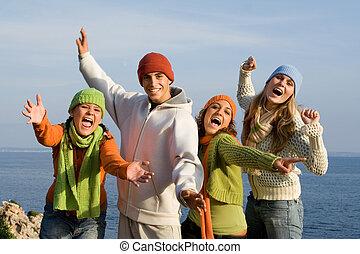 csoport, kiabálás, tizenéves kor, mosolygós, éneklés, vagy, boldog