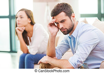 dívány, woman hatalom, mögött, breakdown., őt, fej, lehangolt, fiatal, ülés, rokonság, ember, kéz, külső, időz