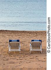 deckchairs, két, tengerpart