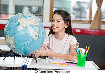 diáklány, földgolyó, kutató, elhelyez, íróasztal