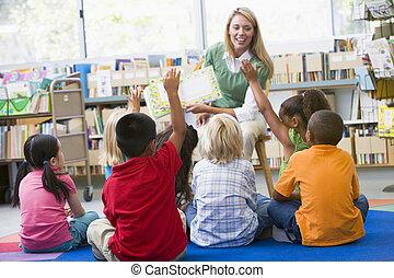 diákok, osztály, önkéntesség, tanár