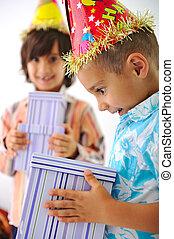 doboz, csinos, születésnap, felfogó, ajándék, kölyök