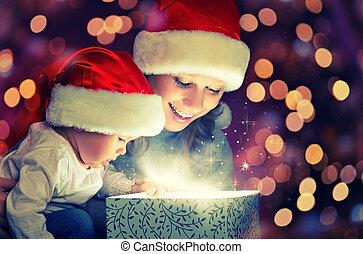 doboz, varázslatos, család, tehetség, anya, csecsemő, karácsony, boldog