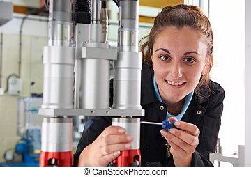 dolgozó, fiatal, gyár, gép, női, konstruál