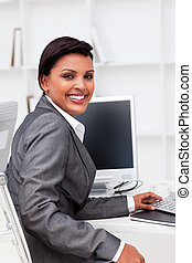 dolgozó, végrehajtó, bájos, női, kiszámít