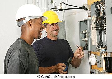 elektrotechnikusok, -eik, élvez, munka