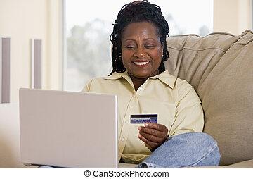 eleven, nő, szoba, laptop, hitel, birtok, smilin, használ, kártya