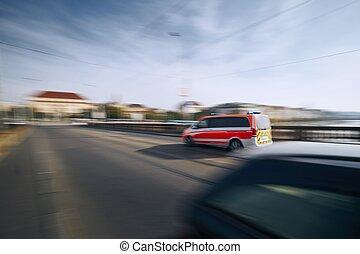 elken autó, indítvány, mentőautó