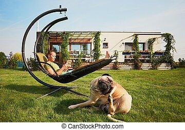 ember, kert, kutya