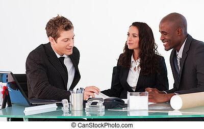 emberek ügy, három, egymásra hatók, gyűlés