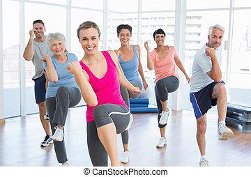 emberek, jóga, erő, gyakorlás, mosolygós, alkalmasság osztály