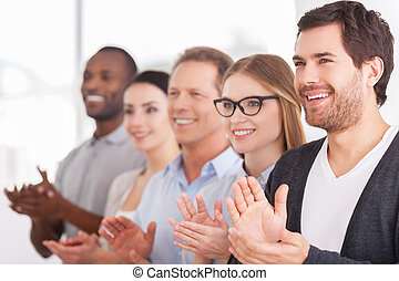 emberek, jókedvű, evez, időz, valaki, csoport, tapsol, innovations., álló, ügy, egyesített