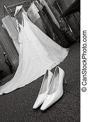 esküvő öltözködik, white), cipők, (black