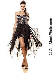estélyi ruha