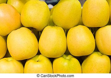 evez, alma, sárga