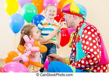 fél, születésnap, gyerekek, bohóckodik, boldog