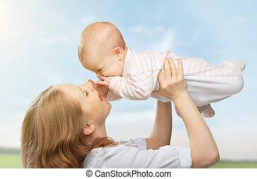 family., ég, csecsemő, boldog, anya, feláll, eldob