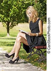 felolvasás, nő, könyv, fiatal