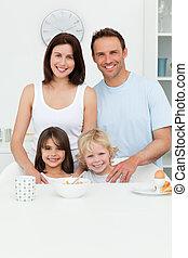 feltevő, szülők, gyerekek, -eik, konyha, boldog