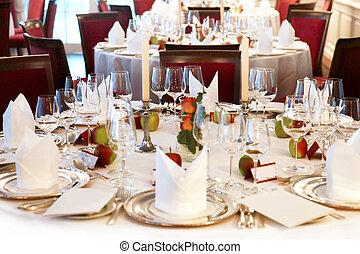 festively, állhatatos, asztal