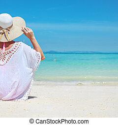 fesztelen, fiatal, óceán, látszó, csendes, hölgy