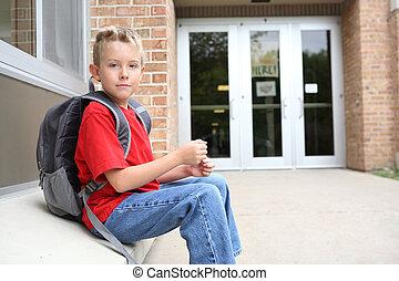 fiú, izbogis, kívül, diák, várakozás