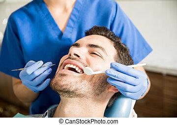fogászati, klinika, fogász, bánásmód, felfogó, ember