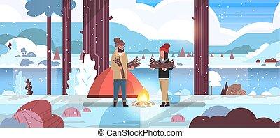 fogalom, természetjárás, hegyek, tele, rendező, táj, tél, kempingezés, tűzifa, birtok, természetjáró, sátor, lakás, nő, természet, elbocsát, párosít, háttér, horizontális, ember, sportkocsik, tábor, hosszúság, folyó