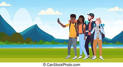 fogalom, természetjárás, hegyek, utazó, selfie, tele, hátizsák, táj, csoport, elegyít, fényképezőgép, fénykép, természetjáró, lakás, smartphone, háttér, horizontális, túrázik, bevétel, hosszúság, faj, folyó, sportkocsik
