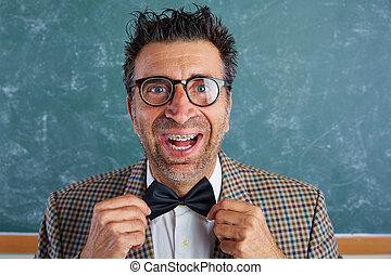furcsa, buta, retro, kifejezés, nerd, nadrágtartó, ember