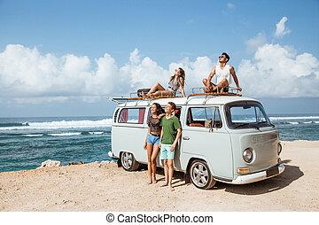 furgon, bágyasztó, tető, csípőre szabott, retro, lány friends
