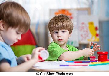 gyártás, gyerekek, kézbesít