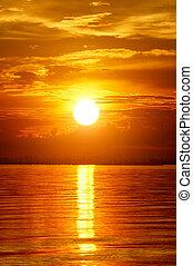 gyönyörű, arany-, elhomályosul, sky., napnyugta, twilight.