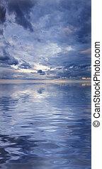 gyönyörű, cloudscape, előidéző, víz visszaverődés