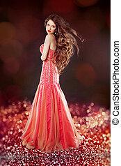 gyönyörű, felett, hosszú szőr, bokeh, feltevő, bri, glam, ruha, piros