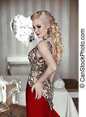 gyönyörű, frizura, nő, szőke, modern, szobai, finom, portrait., alkat, interior., feltevő, formál, ruha