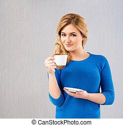 gyönyörű, kávécserje, nő, ivás, fiatal