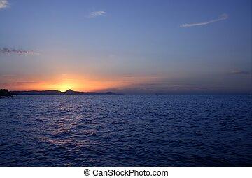 gyönyörű, kék, nap, felett, ég, óceán, napnyugta, napkelte, tenger, piros