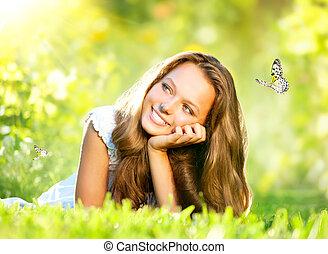 gyönyörű, külső, eredet, zöld, beauty., leány, fű, fekvő