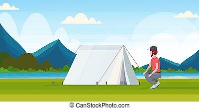 gyönyörű, lakás, fogalom, kempingezés, természetjárás, hegyek, folyó, túrázik, kempingező, beiktató, kiránduló, hosszúság, tele, előkészítő, háttér, utazó, horizontális, ember, táj, sátor
