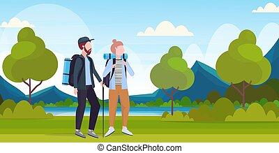gyönyörű, lakás, woman természetjárás, hegyek, utazó, párosít, utazás, sportkocsik, hosszúság, fogalom, tele, bot, háttér, túrázik, horizontális, folyó, hátizsák, természetjáró, táj, ember