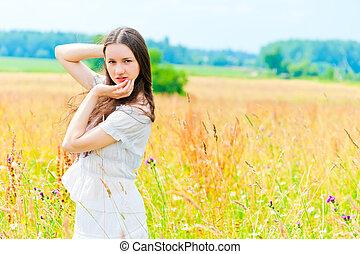 gyönyörű, mező, menstruáció, nő, feltevő