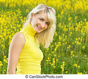 gyönyörű, mező, nő, fiatal, virág