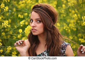 gyönyörű, mező, nő, virág, boldog