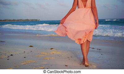 gyönyörű, nyár, közelkép, nő, női, tengerpart., ünnepek, indítvány, lassú, legs., fehér